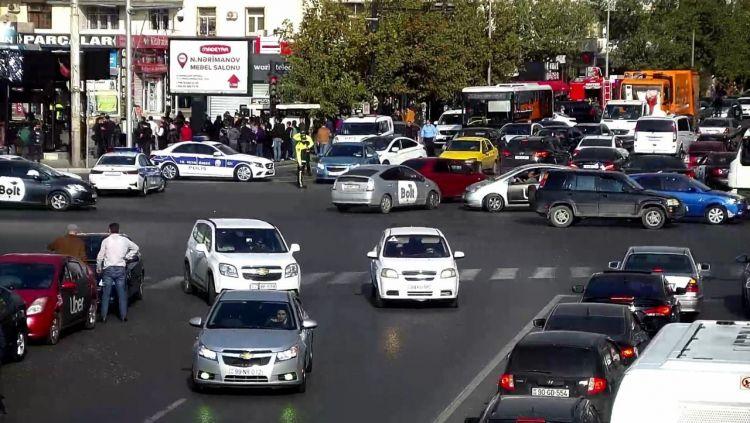 Yanğına görə Nərimanov rayonunda hərəkət məhdudlaşdırıldı -  FOTO