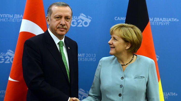 Angela Merkelin Türkiyəyə vida səfəri başlayıb